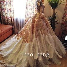 Noble Luxury Bridal Gowns Long Sleeves Feather Wedding Dresses Gown Custom Size