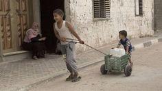 ISRAEL CASTIGA A PALESTINOS CON RACIONAMIENTO DE SU PROPIA AGUA      Israel castiga a palestinos con racionamiento de su propia aguaEl gobierno de Israel les ha despojado a los palestinos de sus riquezas de agua potable y ahora los castiga provocando la escasez de la misma. Cuando sí les permiten tomar su propia agua se la vende carísima. Israel le ha despojado a los palestinos de la Franja de Gaza de todos sus recursos acuíferos para su propio beneficio mientras que los árabes en los…