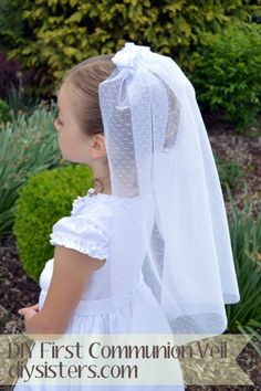 DIY First Communion veil.  How to make a beautiful First Communion veil.  diysisters.com