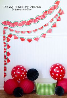 Looking for some cheap, easy watermelon decorations for your next party? Look no further than these simple and FREE printable watermelon garlands. Summer Party Decorations, Party Themes, Party Ideas, Office Decorations, Diy Party Dekoration, Watermelon Crafts, Watermelon Hacks, Watermelon Birthday Parties, Fruit Party