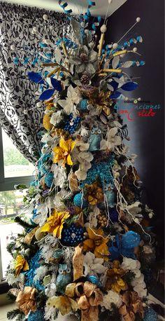 Decoración árbol de navidad en combinación Blanco, dorado y turquesa
