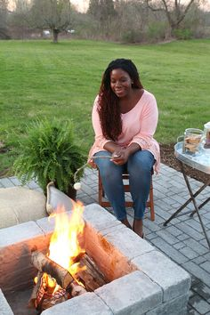 Creating your own paver patio requires one thing - you. See how you can build a perfectly sized paver patio with a built in fire pit. Backyard Fort, Fire Pit Backyard, Backyard Games, Backyard Projects, Backyard Ideas, Deck Makeover, Backyard Makeover, Pergola Swing, Diy Pergola