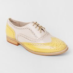 These are a brighter yellow than pictured here. SO want these for summer!