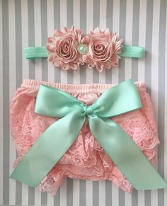 Baby girl bloomer set-pink and mint baby outfit-lace bloomers-cake smash outfit-photo prop-baby shower gift-lace baby bloomers-1st birthday