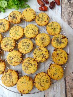 Cookies with dates and corn flour Rock The Bretzel, Brookies, Cookies Et Biscuits, Cookie Recipes, Nom Nom, Muffin, Breakfast, Tim Tam, Polenta