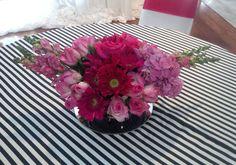 Bunga meja+runner motif garis-garis hitam putih