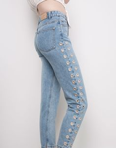 MOM FIT JEANS WITH EYELETS - DENIM COLLECTION - WOMAN - PULL&BEAR Ukraine