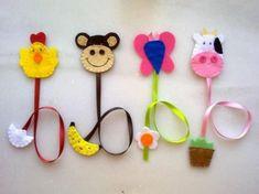 Nadihan Özdemir i 4 innych osób zapisało 5 Twoich . Felt Diy, Felt Crafts, Fabric Crafts, Sewing Crafts, Diy And Crafts, Crafts For Kids, Arts And Crafts, Diy Bookmarks, Crochet Bookmarks