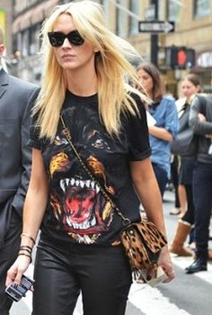 Givenchy tee, everywhere. But it looks kinda appealing today with a leopard bag. Rocking it animal style. #Streetstyle.