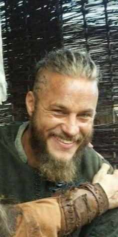 Ragnar Lothbrook, Sons Of Ragnar, Ragnar Lothbrok Vikings, King Ragnar, Travis Vikings, Vikings Travis Fimmel, Vikings Tv, Vikings 2016, Bald Men With Beards