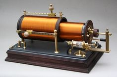 Interesting details of the crystal radio and cat's whisker detectors showing several example radios from the 1920s and 1930s.