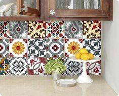 zona de azulejos de cozinha com adesivos a imitar azulejo