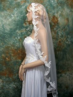Mantilla veil bridal veil wedding veil ivory 50x50 fingertip alencon lace  $60