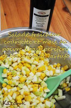 [Kaz] Dans cette recette simplissime parfaite pour une entrée d'été que j'ai accompagné de saumon fumé vous trouverez deux nouveaux produits de notre partenaire Les Relais de Rungis.    http://kazcook.com/blog/archives/236-Salade-fraicheur-courgette-et-mas-au-poivre-Voastiperifery-et-balsamique-tartufo.html