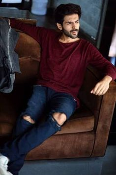 Calm down, my beating heart. Indian Celebrities, Bollywood Celebrities, Indian Men Fashion, Mens Fashion, Sr K, Fashion Photography Poses, Bollywood Stars, Indian Bollywood, Cute Actors