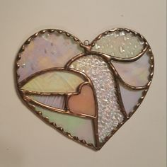 Stain glass heart by Mechlings Menagerie Stained Glass Light, Stained Glass Ornaments, Stained Glass Suncatchers, Stained Glass Crafts, Stained Glass Designs, Stained Glass Patterns, Diy Bird Bath, Art Diy, Glass Butterfly
