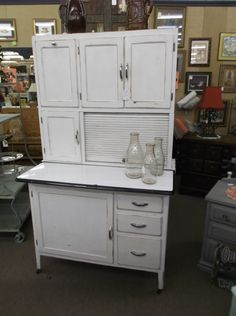 Delicieux Antique Kitchen Cabinets With Flour Sifter
