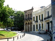 Koumoundourou Square