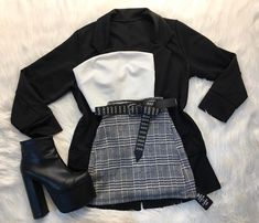 A cool outfit for the cold days Girls Fashion Clothes, Teen Fashion Outfits, Cute Fashion, Look Fashion, Girl Outfits, Edgy Outfits, Mode Outfits, Retro Outfits, Cute Casual Outfits