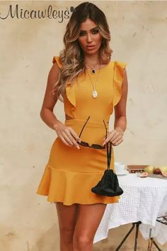 Our choice of very short dresses, by using trend-setting styles, casual, business. Sexy Dresses, Dress Outfits, Short Dresses, Fashion Outfits, Summer Dresses, Womens Fashion, Elegant Dresses, Fashionable Outfits, Beach Dresses