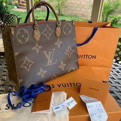 Louis Vuitton Shop, Louis Vuitton Handbags, Louis Vuitton Monogram, Best Designer Bags, Luxury Purses, Girls Bags, Purses And Bags, Trendy Purses, Pocket Books