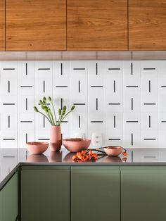 Home Interior Modern .Home Interior Modern Modern Kitchen Cabinets, Modern Farmhouse Kitchens, Home Kitchens, Modern Kitchen Tiles, Kitchen Countertops, Dream Kitchens, Kitchen Backsplash, Colourful Kitchen Tiles, Minimalist Kitchen Tiles