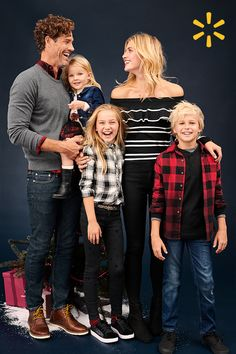 Dress the turkey and then dress up. Thanksgiving looks the whole family will love at low prices. Family Christmas Outfits, Family Christmas Pictures, Family Picture Outfits, Fall Family, Family Photos, Kids Outfits, Family Posing, Family Portraits, Picture Poses