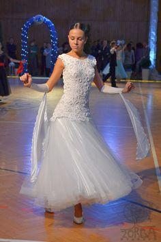 szydełkowa sukienka do tańców standardowych