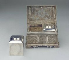 17th / 18th Century Casket, Dutch / German Interior Caddies marked Reijnier Brandt, Amsterdam 1754. W.16.5 cms