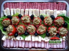 Aperitive reci - idei de platouri aperitive Party Food Buffet, Romanian Food, Romanian Recipes, Bite Size Appetizers, Food Staples, Fruit Snacks, Russian Recipes, Food Design, Cookie Recipes