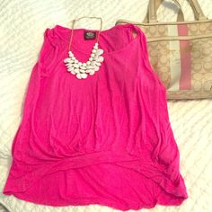 Bobeau Fuchsia high-low top Soft, 100% cotton. Size small. Gorgeous deep pink color. Perfect for yoga or lounge wear. Or dress it up for spring/summer! So comfy. Cropped shorter at the midriff for a sexy effect. Little to No signs of wear. bobeau Tops Tank Tops