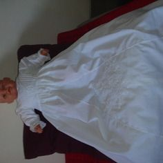 Robe de baptême traditionnelle longue brodée à la main 6/9 mois