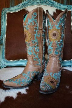 """NEW! LANE """"SUNFLOWER"""" BOOTS!http://www.cowgirlkim.com/shop/Shop-By-Type/Lane-Boots/NEW-LANE-SUNFLOWER-BOOTS-/prod_1952.html"""