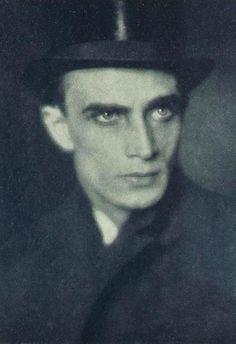 aikainkauna:  Conrad Veidt, circa 1919.