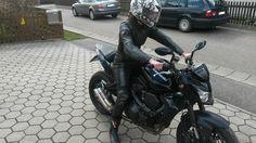 http://www.ebay.de/itm/Dainese-Lederkombi-/252004519855?pt=LH_DefaultDomain_77