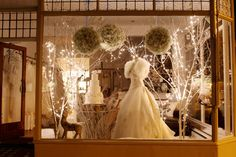 Mathilda Rose, Lindfield Christmas Window (Danni Beach Photography, Cake Maison & Flowerbug Designs)