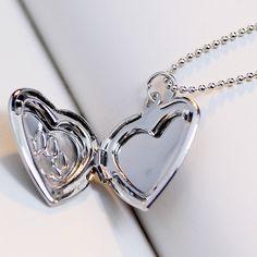 Beautiful Ladies Dog Paw Print Valentine Love Pendant Necklace