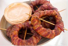 Easy and Fun Grilled Appetizer Recipe for Bacon Wrapped Onion Rings #Sriracha #onionrings