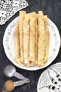Traditional South African recipe for Pannekoek - a sweet treat served with cinnamon sugar. Pannekoek Recipe, Dutch Oven Recipes, Cooking Recipes, Beef Recipes, South African Recipes, Ethnic Recipes, Africa Recipes, South African Food, Salted Caramel Fudge