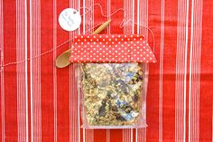 3 Easy Edible Gifts To Thank Your Summer Hostesses: Granola