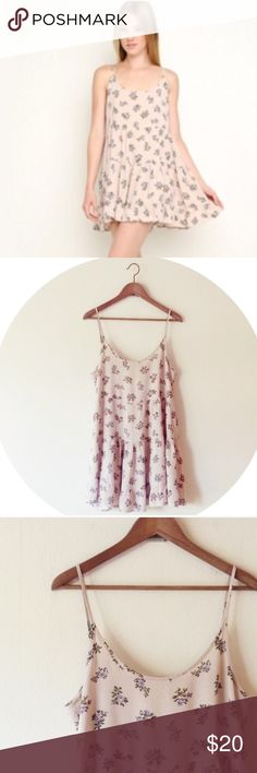 ISO BRANDY MELVILLE JADA DRESS IN PINK FLORAL LAV. Help me look for these please I really want them in this print! Looking to pay $15-25. Light pink with lavender flowers jada dress. Brandy melville bm Brandy Melville Dresses Mini