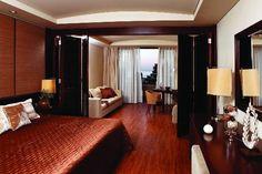 Rezerveaza-ti sejurul din timp si ai o reducere de -20% pentru vacanta ta de paradis in HALKIDIKI, GRECIA!    Porto Carras Meliton Hotel 5* la doar 865 EURO  - cazare 9 nopti;  - pensiune HB;  - asigurare medicala;  - asistenta consulara;  - Transport avia din Chisinau;  - transferu de la hotel.    Rezervari timpurii la tel. (022) 819 819