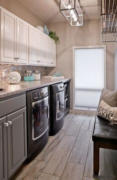 65 Amazing Concepts For Your Small Bedroom - dining room theme ideas color palettes sixty five Amazi Western Bathroom Decor, Western Bathrooms, Room Tiles Design, Laundry Room Tile, Tumblr Rooms, Room Themes, Small Rooms, Diy Bedroom, Bedroom Ideas