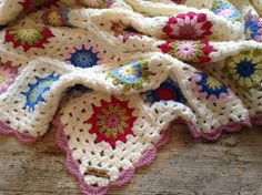 Lullaby Lodge: The Granny Flower Square - Crochet Tutorial