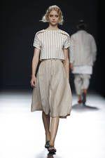 Etxeberria exhibe sus propuestas para primavera-verano 2016 sobre la pasarela de Mercedes-Benz Fashion Week Madrid - Ediciones Sibila (Prensapiel, PuntoModa y Textil y Moda)