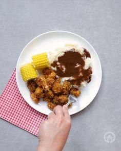 Shake and Bake Popcorn Chicken Chicken Tortilla Soup, Chicken Pasta, Chicken Tenderloin Recipes, Chicken Recipes, Mug Recipes, Snack Recipes, Popcorn Recipes, Chicken Popcorn Recipe, Crispy Chicken