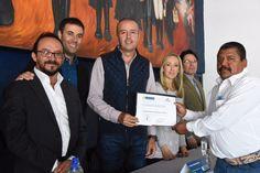 Entrega Mario Calzada constancias a trabajadores por capacitarse    http://ift.tt/2yN5aWM