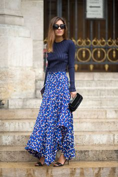 Paris Street Style Spring 2015 - Best Street Style Paris Fashion Week - Harper's BAZAAR Blue pullover paired with a blue & white maxi skirt Net Fashion, Fashion Mode, Look Fashion, Autumn Fashion, Fashion Trends, Trendy Fashion, Latest Fashion, Spring Fashion, Fashion Styles