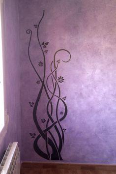 Árbol decorativo pintado sobre Génesis, para resaltar una esquina del sálon, consiguiendo un toque de personalidad a la estancia de una manera más original.