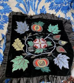 19THC CREE*OJIBWAY*GREAT LAKES  BEAD WORK ON VELVET PANEL